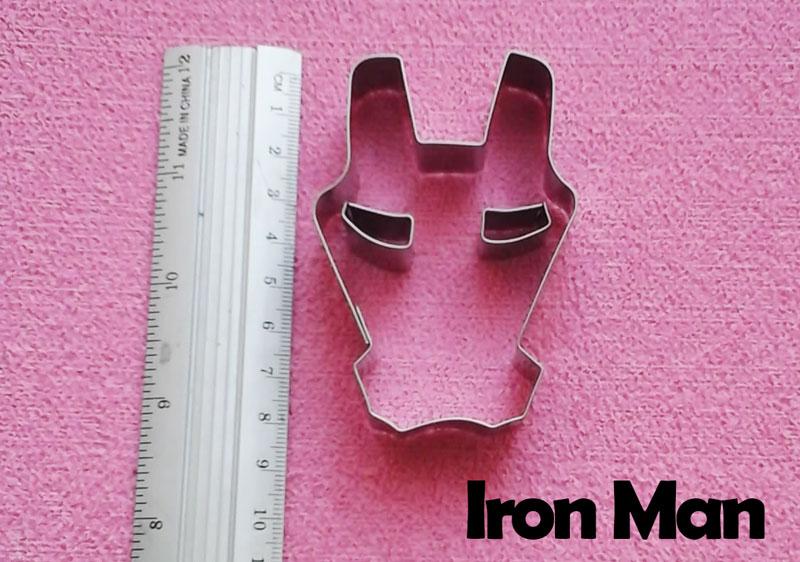 Cortador de galletas y decoración fondant simbolo iron man