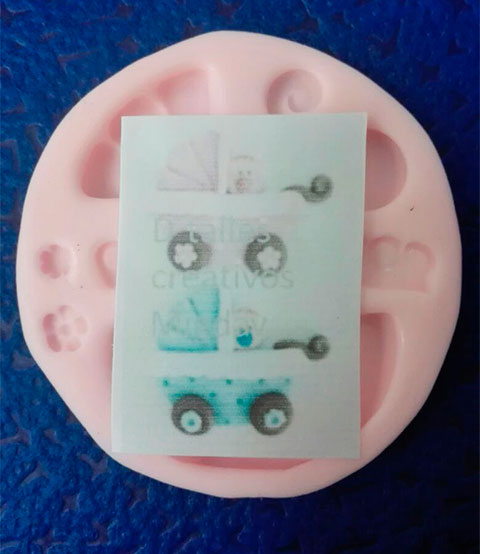 Molde en silicona Coche baby para crear aplique en fomi o pasta